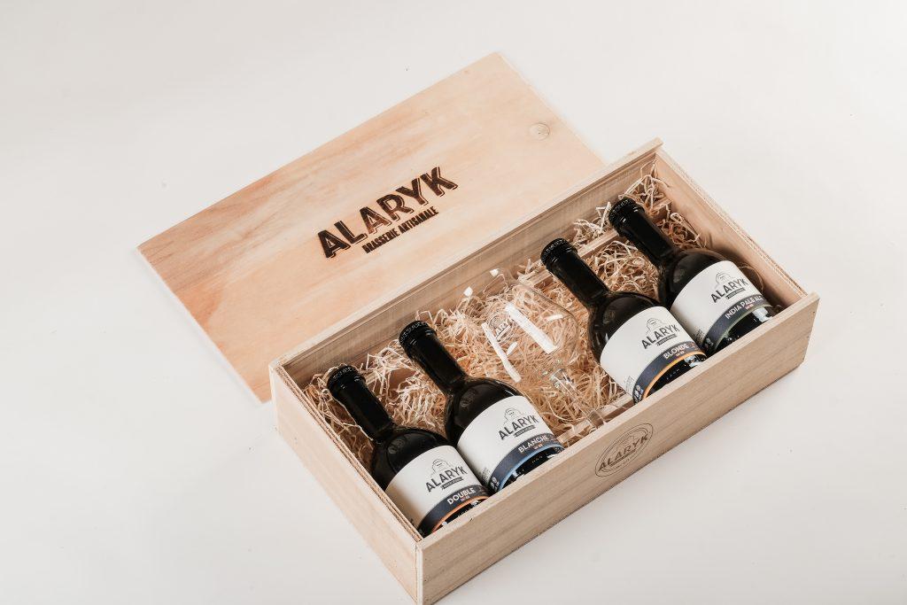 Coffret Luxe bois 4 bières 33cl et verre TEKU